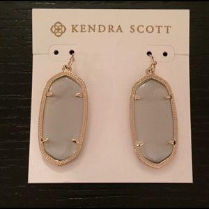 Kendra Scott Elle Earrings in Ivory (Clear)